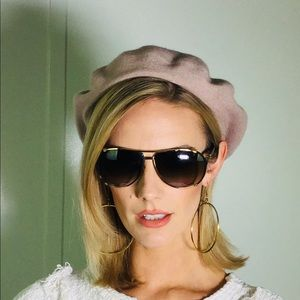 Beige beret! Cute styled w/ Dior glasses & hoops!